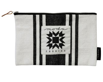 free shipping Urban Cottage Urban Canvas Zipper Bag by Urban Chiks for Moda 963-67