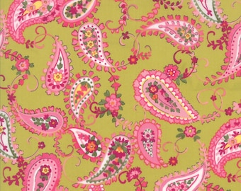 Regent St Lawn Paisley Floral Fabric Chelsea Light Green // Moda 33191 15 by the HALF YARD