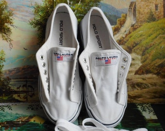 92df7f88344 Chaussures de Ralph Lauren. Toile blanche. Taille femmes 7B. Des attaches.  Semelle épaisse. Polo sport.