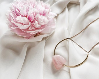 Rose Quartz Geometric Minimalist Necklace / Smooth Irregular Pink Stone Nugget and Gold Plated Nickel-Free Chain Necklace, Simple Easy