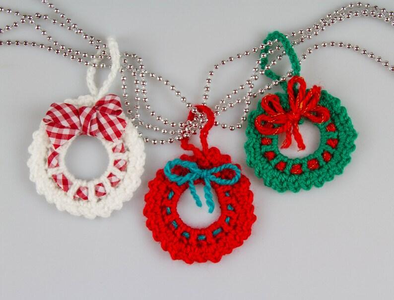 3ac38a91676fb4 Christmas Crochet Wreath Crochet Pattern Crochet Wreath Brooch