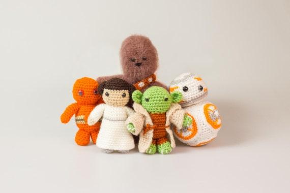 Free Star Wars Crochet Patterns • Oombawka Design Crochet | 380x570