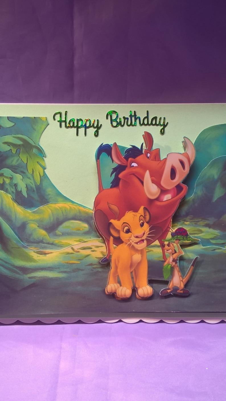 Carte Danniversaire Avec Pumba Timone Et Simba Le Roi Lion Un Membre De Lâge Ou De La Famille De Nom Peut être Ajouté Gratuitement Si Vous