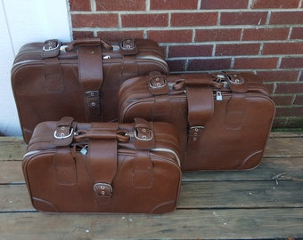 Vintage Set of Brown Suitcases - Set of 3 - Soft Suitcase - Roller Bag - Travel - Buckle Briefcase - Zip Up Case