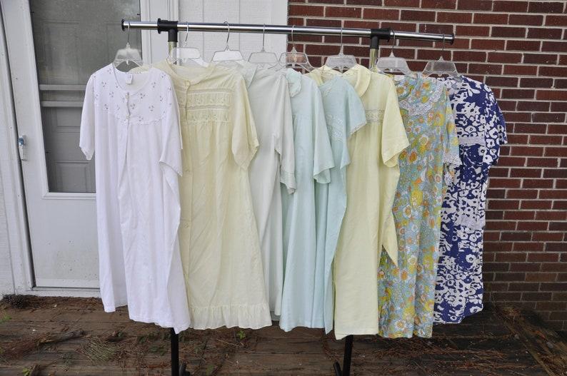 Lot of 8 Vintage 1970s 1980s Housecoats  39b66b372