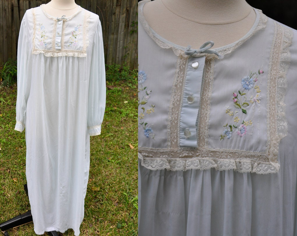 Vintage 1970s Barbizon Night Gown - Floral Lace Long Sleeve - Lightweight  Summer df3610235