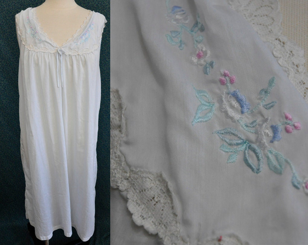 Vintage Night Gown Dress - Barbizon - Embroidered Floral Nightgown - Lace  Lingerie - Slip Dress - Sleeveless - Lace Trim 241c39064