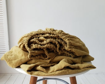 Linen fitted sheet in yellowish green color. Organic softened linen fitted sheet for Twin Full Queen King California beds. Linen bedding.