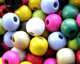 100 x 12mm Wooden Round Assorted Coloured Craft Jewellery Beads W131