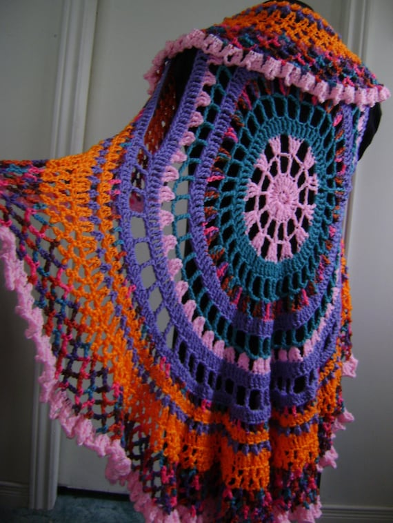 layer it to create your own one-of-a-kind style Women/'s sleeveless Penny Lane Mandala Vest Flowy Circular Hippie Stevie Festival style