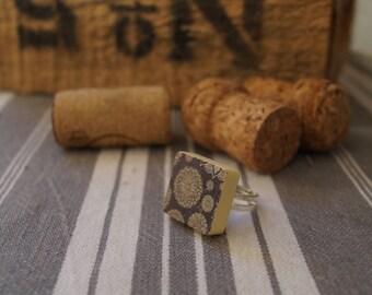 Gray mandala scrabble ring