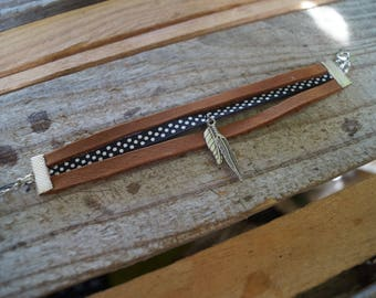Bracelet brown leather with polka dots