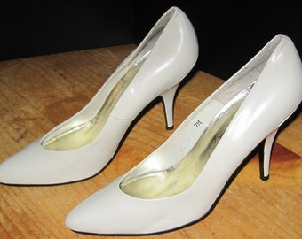 Vintage Fredericks of Hollywood Womens Ladies High Heel pumps shoes Sz 7M