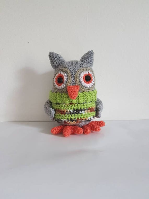 jouet de hibou hibou au crochet avec un pull doux chouette etsy. Black Bedroom Furniture Sets. Home Design Ideas