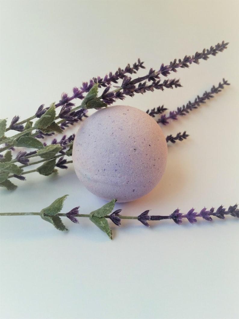 Apollo Lavender Vanilla Bath Bomb image 0