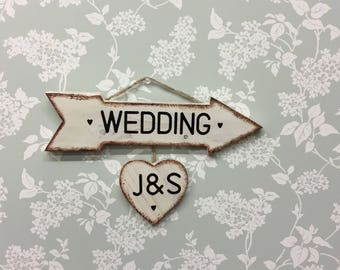 wedding arrow with  keepsake personalised heart wedding sign post, Directional sign,rustic wedding sign