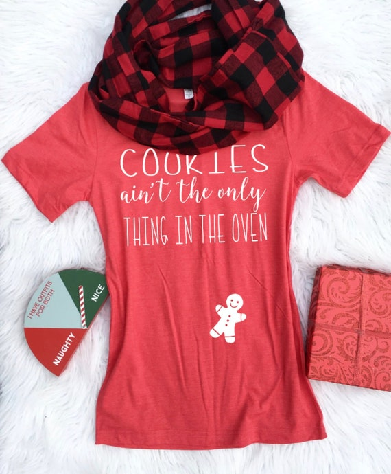 Maternity Christmas Shirt.Christmas Maternity Christmas Pregnancy Announcement In The Oven Maternity Christmas Shirt Pregnancy Announcement Shirt Pregnant Af