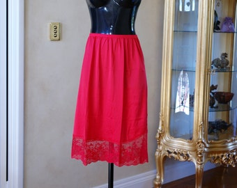 Vintage 1980s Half Slip, Petticoat by Vanity Fair in Red Silky Smooth Nylon, Size UK 12, US 6. (270)