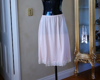 Vintage 1980s Half Slip Petticoat by Formfit in Apricot with contrasting lace hem UK 12, US 6 (269)