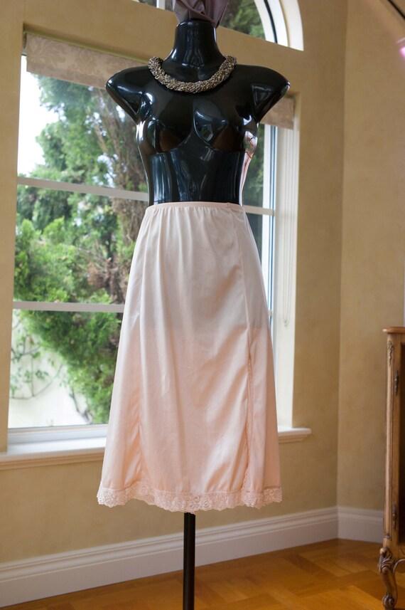 Underskirt by Miss Gloria UK 14 402 Vintage 1980s Nylon and Lace Half Slip US 10 Petticoat