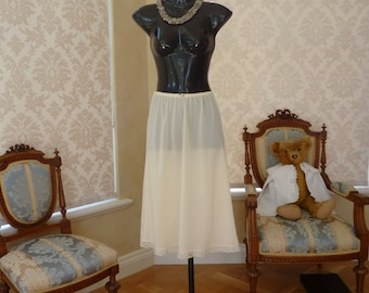 Vintage 1980s Norale Caramel Glossy Nylon and Lace Half Slip, Size UK 10, US 6 (481)