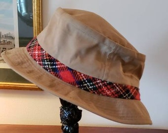 dca72e428dc67 Vintage L.L. Bean Khaki Bucket Hat with Tartan Hat Band  Preppy Hat  Size 7  3 8