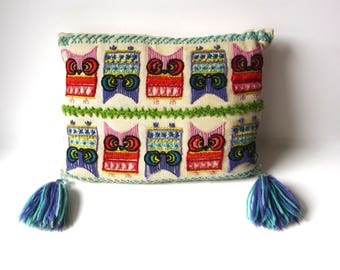 Retro Embroidered Owl Toss pillow