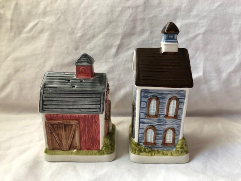 Vintage Otagiri Gibson Greetings House and Barn Salt and Pepper Shakers