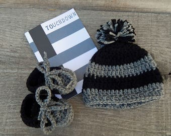 2e7ba3910d7 Oakland Raiders Pregnancy Announcement-Baby Shower Gift-Crochet Oakland  Raiders Baby Hat and Booties-Newborn Crocheted Baby Hat and Booties