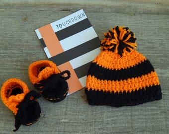 Cincinnati Bengals-Pregnancy Announcement-Baby Shower Gift-Crochet Cincinnati  Bengals Baby Hat-Crochet Bengals Booties-Newborn Hat   Booties edfa33a79