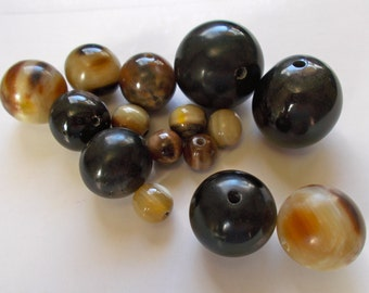 Cowhorn Round Beads Pack of 2 - Fair Trade Mzuribeads from Uganda Africa - Sizes 1.5cm, 2cm & 3cm approx