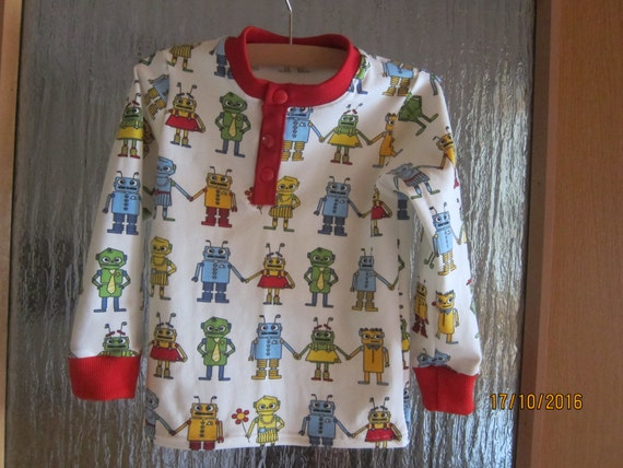Toddlers Lang arm t-shirt top with funny Roboters in size 4T Euro 98 cm