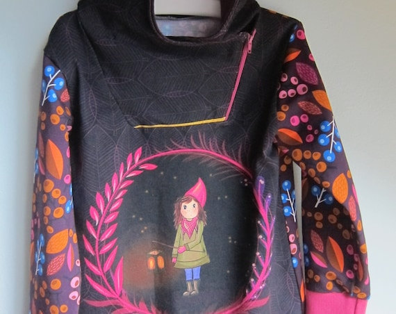 Autumn Baby Jersey Pullover with Hood, Lantern Girl Hoody with Bio Jersey in fall colors. US size 7/8 (EU 122)