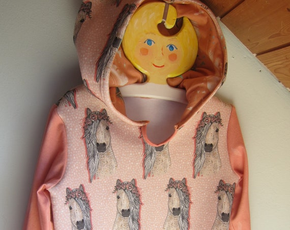 Horse Pullover with Hood,Hoody with Bio Jersey in  rosa  colors. 6 years (EU 122)
