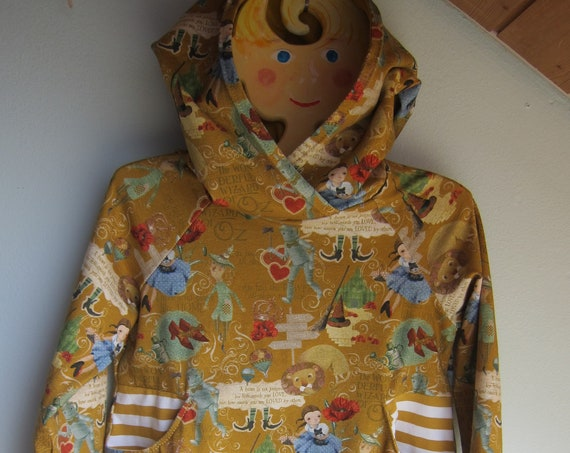 Wizard of Oz  hoody dress with long sleeves, jersey, size 98-104. 3 years