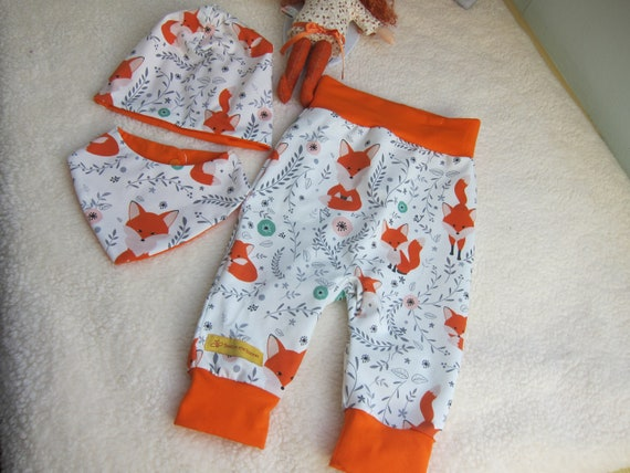 Baby set pants with beanie and bib set, whimsical Foxes, size 3-6 mo