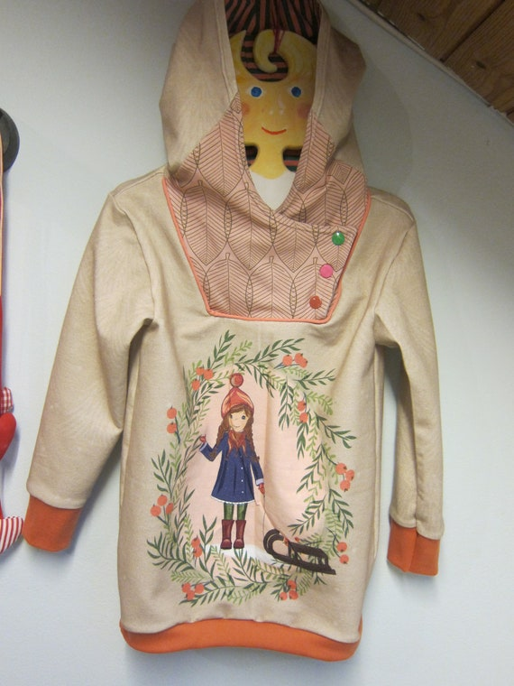 Winter Girl's sweat hoody, coral and beige Hoody girl with sleigh or girl with cat Bio sweat in fall colors. 6-7 ( Euro 116) Original