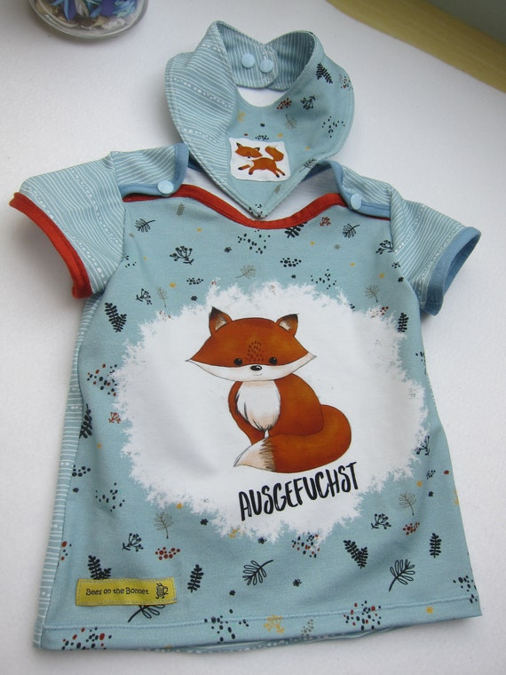 Baby t-shirt and bib with foxes in creme and terracotta size 9 mo European Size 74 or to order