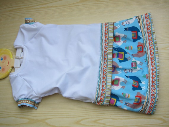 Girl's Set made of A Llama skirt and matching t-shirt in size 92 (US 2).