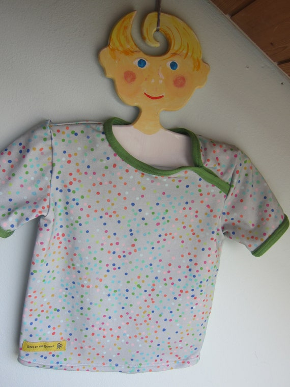 Baby t-shirt watery dots in rainbow colors on grey background eco Jersey 18 mo  size or to order, Summer fresh