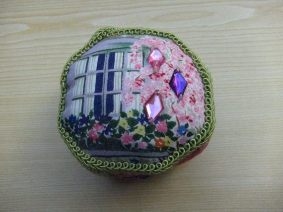 Patchwork Pin cushion, window box flowers, Libellchen,  patchwork octagon, Christmas Deco, Mother's Day,  Valentine's Day, Present