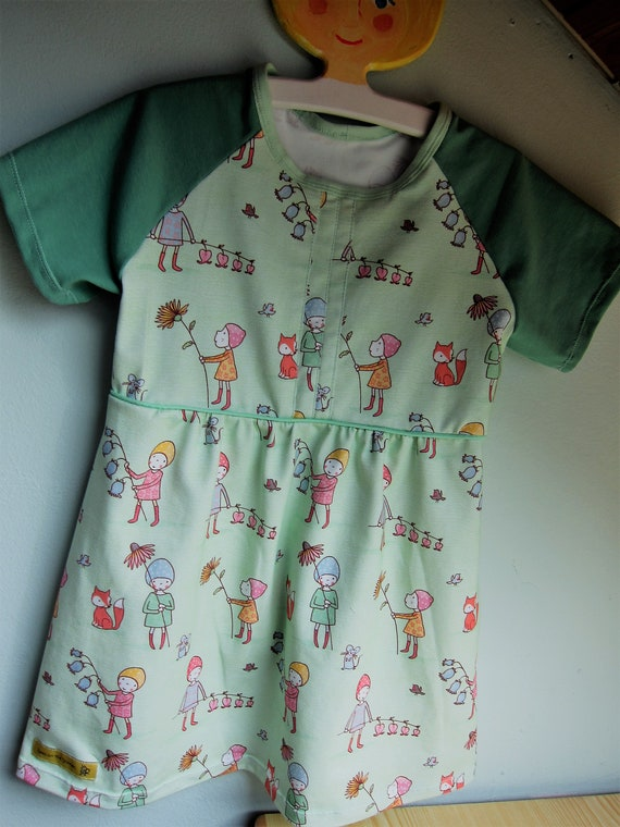 Girl's Spring jersey dress nature motive of flower faires in the green meadows,  US size 4 years, girl's tunica