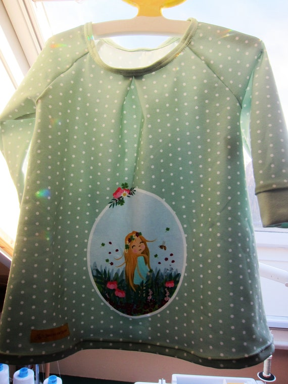 Girl's Spring jersey dress nature motive of lucky Lea in the green meadows,  US size 18 mo, girl's tunica
