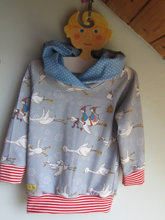 Autumn Baby Jersey Pullover with Hood, Flying Geese Bio Jersey in fall colors. US size 2/3 (EU 92)
