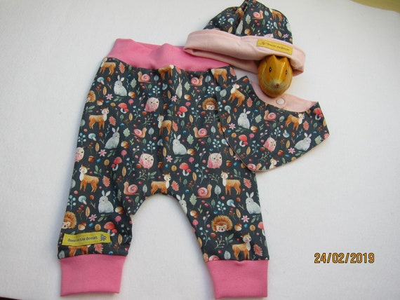 Newborn Baby Bloomers set with beanie and reversible bib Forestland pants,  set 6 mo  newborn