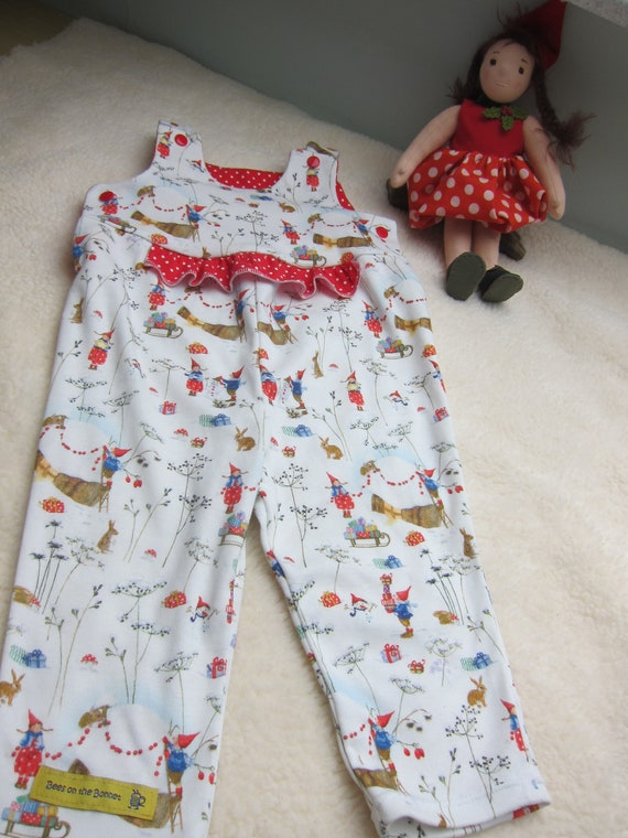 Winter Fun baby rompers with Pippa and Pelle jumpsuit with Winter Christmas motiv  in white and red size 9 mo