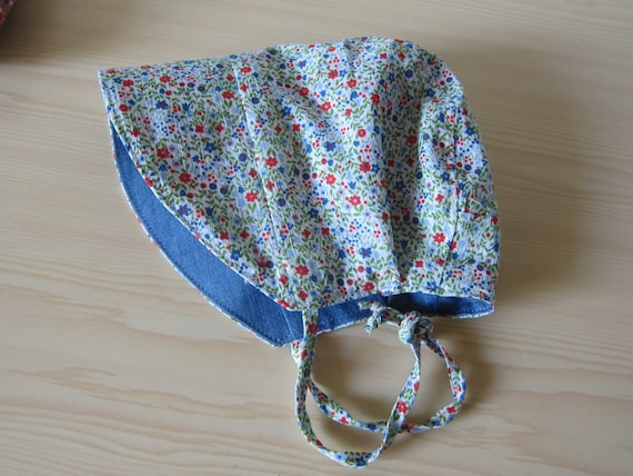 Reversible sunhat blue and Millefleurs flowered pattern, Size 0-3 months