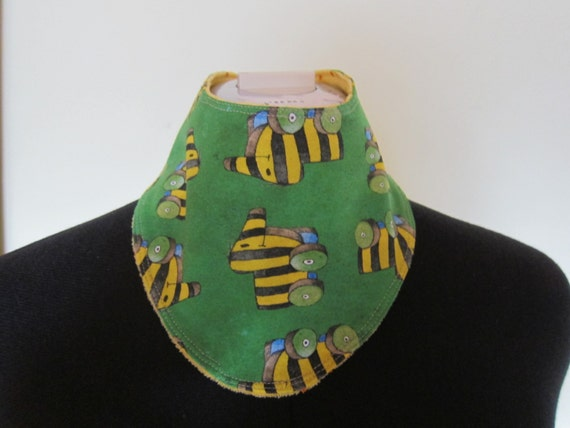 Reversible Janosch Tigerente bib, babies and children, Bees on the Bonnet design,