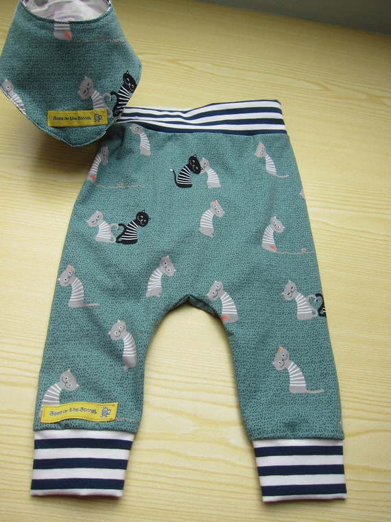 Cat in Love Baby Pants, reversible bib set,  Handmade, Made to Order, size 6-9 mo