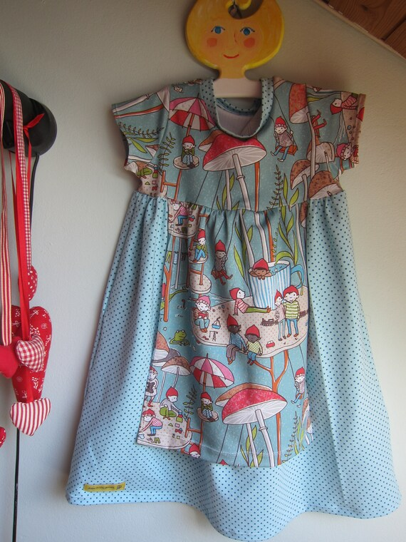 Ecological toddler's Jersey dress dwarf garten with dwarfs, playground, mushrooms, gnoms, Dirndl design size 98 mo, 4 years